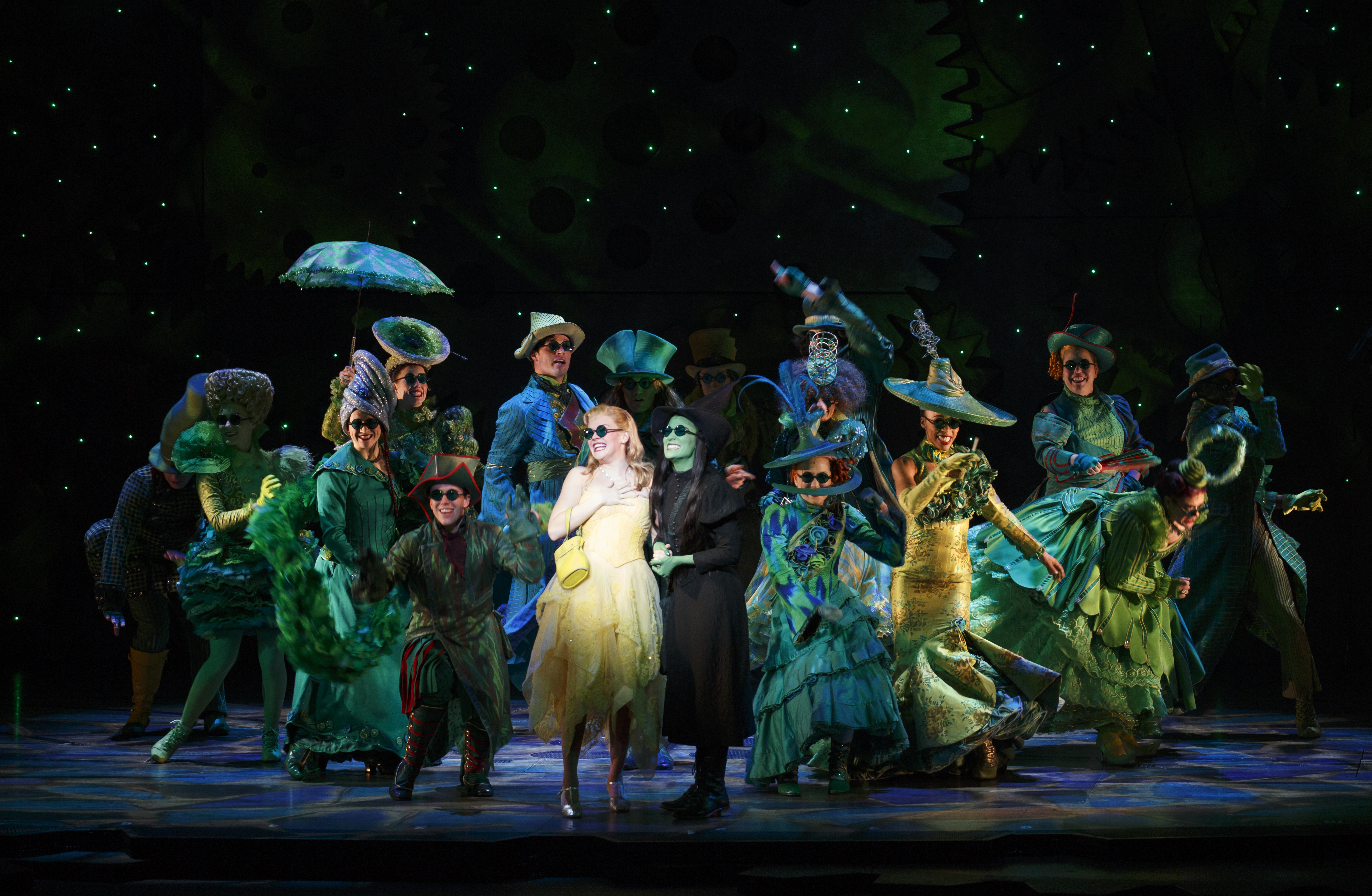 the-national-touring-company-of-wicked-photo-by-joan-marcus-_2015
